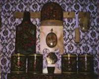 Автор украсил кухню элементами, расписанными в стиле народных промыслов