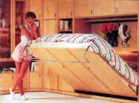 Фото пристенной кровати