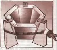 Клинья помогут склеить пирамиду