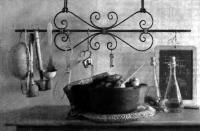 Кованая вешалка для кухни