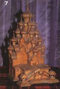 Макет церкви целиком изготовлен из обыкновенных спичек по двум фотографиям из альбома