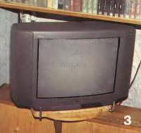 Платформу, на которой стоит телевизор, легко повернуть в любую сторону