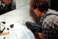 При работе с кафелем сверла оставляют после себя чистые и ровные кромки отверстий