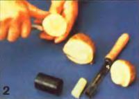 Резать кружочки из картофеля