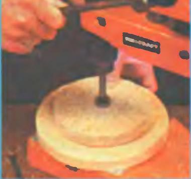 В центре дисков делают отверстие под «ствол»